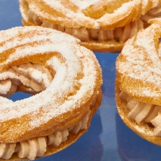 Mini Paris-Brest de chocolate con leche